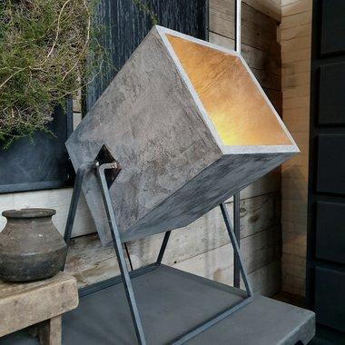 Workshop industriele lamp betonlook verf € 79,95 ( 20 februari )